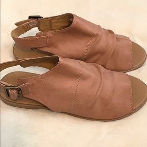 New! Qupid Blush sandals in size 6